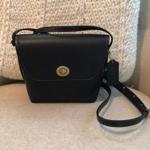 Coach turnlock pouch